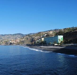 Mais lugares de estacionamento na Praia Formosa